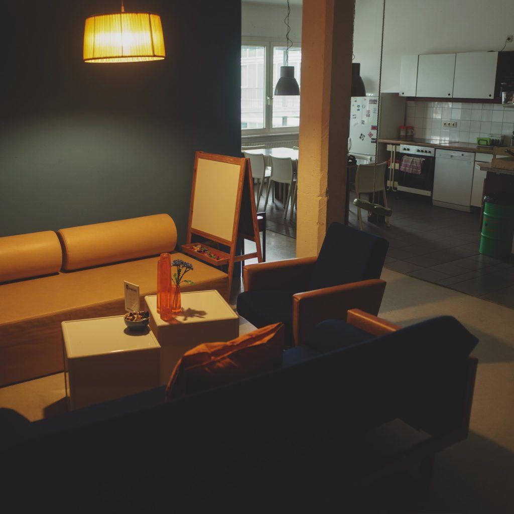 Jaffestudio offener Wohn- und Kochbereich